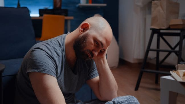Mężczyzna dotknięty depresją